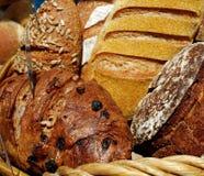篮子面包 库存图片