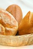 篮子面包 免版税库存照片