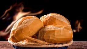 篮子`法国面包`,传统巴西谋生有火背景 股票录像