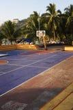 篮球五颜六色的现场 图库摄影