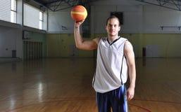篮球人纵向 库存图片