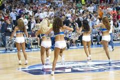 篮球啦啦队员 免版税库存图片