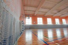 篮球大厅室内法院木头地板 库存照片