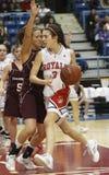篮球女孩朝向 库存图片