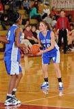 篮球女孩球员射击 库存图片