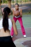 篮球女性球员 库存照片