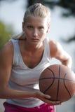 篮球确定的球员 免版税库存照片