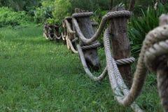 篱芭由绳索制成。 图库摄影