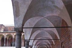 米兰公立大学洗手间修道院走廊  免版税库存图片