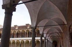 米兰公立大学洗手间修道院走廊  库存图片