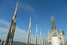 米兰圆顶(中央寺院)屋顶上面 免版税库存图片