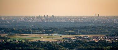 米兰地平线日落的 免版税库存照片