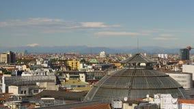 米兰夏日屋顶画廊圆顶都市风景全景4k意大利 股票视频