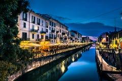 米兰夜生活在Navigli 意大利 免版税库存图片