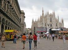 米兰大教堂中央寺院和Emanuele画廊 免版税图库摄影