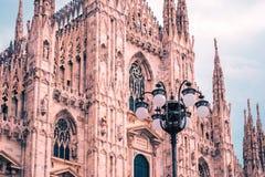 米兰大教堂外部建筑学,叫作中央寺院二米兰,其中一个最大的教会在世界上 库存照片