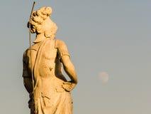 米兰大教堂尖顶雕象 库存照片
