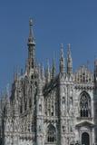 米兰大教堂,金子madonnina雕象 免版税库存图片