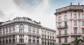 米兰的历史的中心的典型的大厦 免版税库存照片