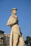 米兰,喷泉在朱利奥塞萨尔广场,雕象 库存图片