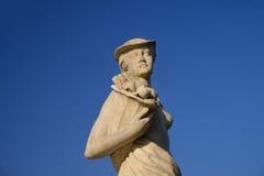 米兰,喷泉在朱利奥塞萨尔广场,雕象 免版税库存照片
