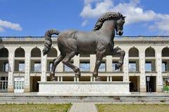 米兰,意大利,列奥纳多・达・芬奇马在Ippodromo圣西罗 免版税库存图片