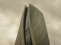 米兰,意大利, 2018年4月15日-在新的区域`城市生活`复合体的照片在3 Torri米兰放, Hadid塔 米兰15 免版税库存照片