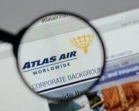 米兰,意大利- 2017年8月10日:亚特拉斯航空全世界藏品日志 库存图片