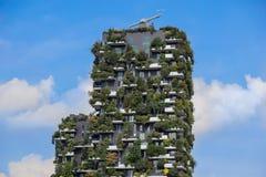 米兰,意大利- 2018年5月04日:博斯科Verticale,垂直的森林公寓在城市的波尔塔Nuova地区 免版税库存图片
