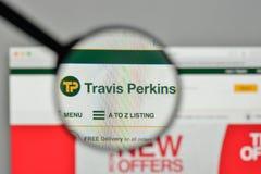 米兰,意大利- 2017年11月1日:在网的特拉维斯珀金斯商标 免版税图库摄影