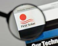 米兰,意大利- 2017年8月10日:在网站上的第一个太阳商标 库存照片