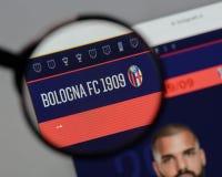 米兰,意大利- 2017年8月10日:在网站h上的波隆纳FC商标 库存图片