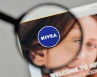 米兰,意大利- 2017年11月1日:在网站homep的妮维雅商标 免版税库存图片