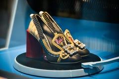 米兰,意大利- 2017年9月24日:在DNG的Dolce Gabbana鞋子 免版税库存图片