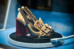 米兰,意大利- 2017年9月24日:在DNG的Dolce Gabbana鞋子 库存图片