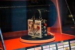 米兰,意大利- 2017年9月24日:在DNG s的Dolce Gabbana袋子 免版税库存图片
