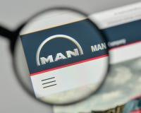 米兰,意大利- 2017年11月1日:在t的MAN Truck Bus Company商标 图库摄影