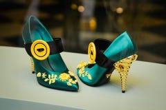米兰,意大利- 2017年9月24日:布拉达鞋子在米兰商店 库存照片