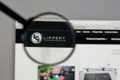 米兰,意大利- 2017年8月10日:画了在网的产业商标 库存图片