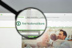 米兰,意大利- 2017年8月10日:第一个国家银行网站 它 库存图片