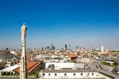 米兰,意大利- 2017年9月05日:米兰大教堂,中央寺院二米兰—米兰哥特式大教堂教会  免版税库存图片