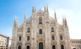 米兰,意大利- 2017年9月05日:米兰大教堂,中央寺院二米兰-米兰哥特式大教堂教会  没有人的看法 免版税库存照片