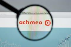 米兰,意大利- 2017年8月10日:Achmea网站主页 它是o 图库摄影