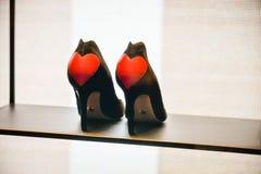 米兰,意大利- 2017年9月24日:Dior鞋子在米兰商店 免版税库存照片