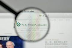 米兰,意大利- 2017年11月1日:W r 在websit的Berkley商标 免版税库存图片