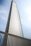 """米兰,意大利- 2014年6月06日:""""皮雷利""""大厦在米兰,广场Duca D'Aosta,政府机关总部, 库存照片"""