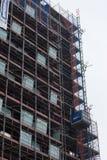 米兰,意大利- 2017年3月02日:起重机和楼房建筑 免版税库存图片
