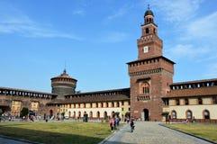 米兰,意大利- 2017年7月19日:Sforza城堡Castello Sforzesco是一座城堡在米兰,意大利 它在15世纪被修造了  免版税库存图片