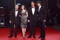 米兰,意大利- 3月02 :多梅尼科Dolce,斯卡利特约翰松,斯特凡诺Gabbana和奥兰多・布鲁姆出席正在流行极端的秀丽 免版税库存照片