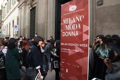 米兰,米兰,妇女塑造星期秋天冬天2015 2016年 免版税库存照片